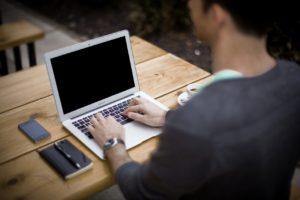 blogging-336376_1280